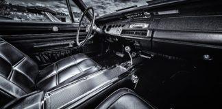 Bil indeni